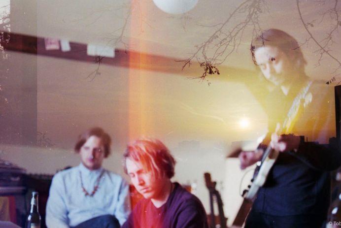 Oracles_album_Bedroom_Eyes Review
